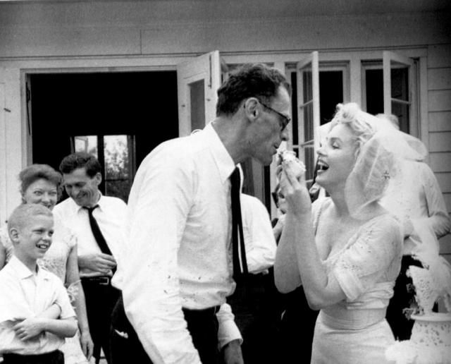 Свадебное фото Мэрилин Монро