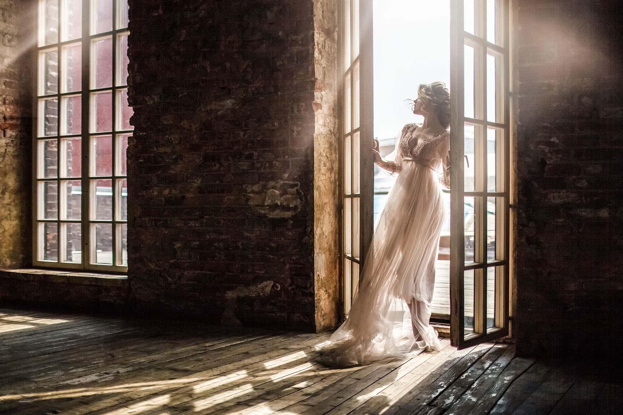 Прекрасная стилизованная свадебная фотосессия